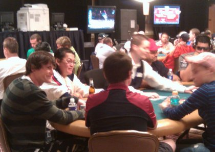 Scotty Nguyen 2012 WSOP PLO tournament